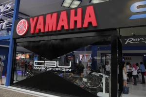 Yamaha-R15---PRJ-2014_2