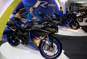 R-Series_di_perayaan_40_Tahun_Yamaha_Indonesia_dan_R25_Global_Model_Production