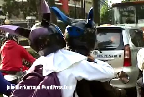 Modifikasi Helm