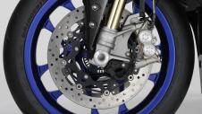 2015-Yamaha-YZF1000R1SPL-EU-Silver-Blu-Carbon-Detail-007