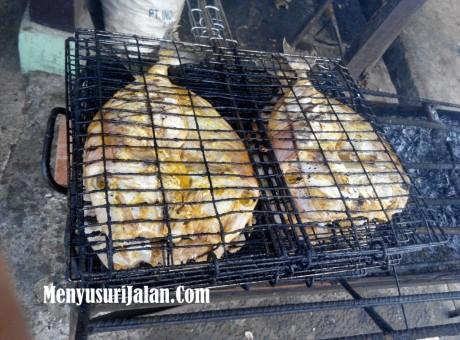 Ikan Etong Bakar A Badru (4)