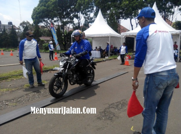 Safety Riding Honda Jawa Barat