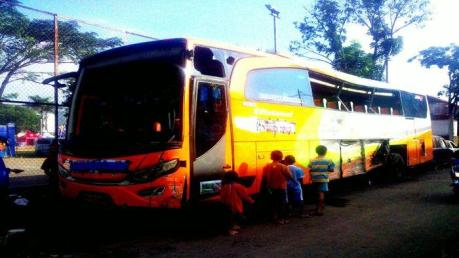 bus-gapuraning-rahayu-yang-mengalami-kecelakaan