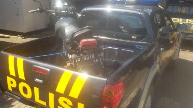 Kecelakaan Kadipaten Tasikmalaya motor vs bus