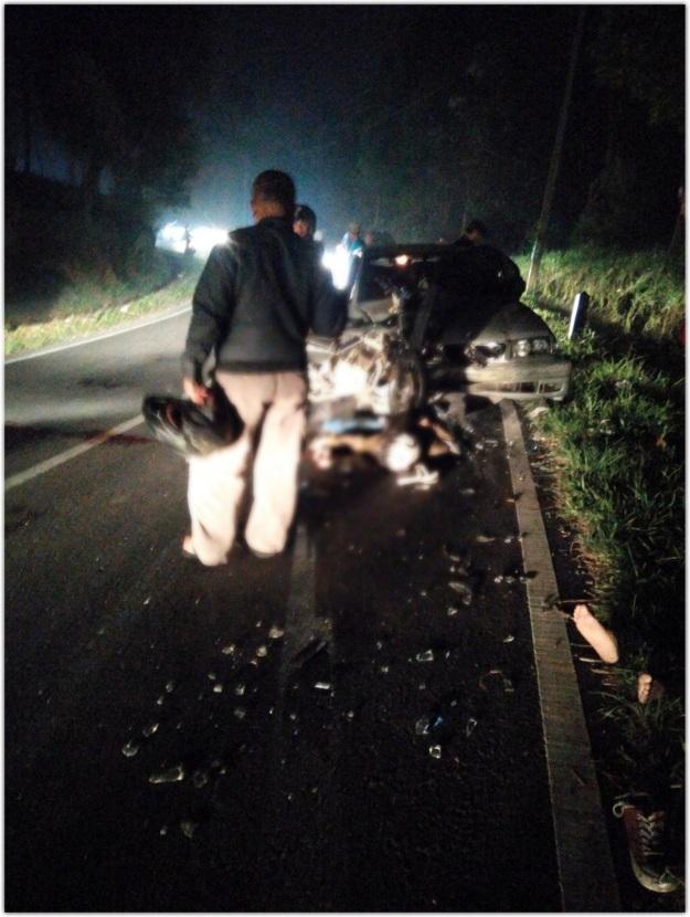 Kecelakaan Satria FU vs Mobil di Ciater1
