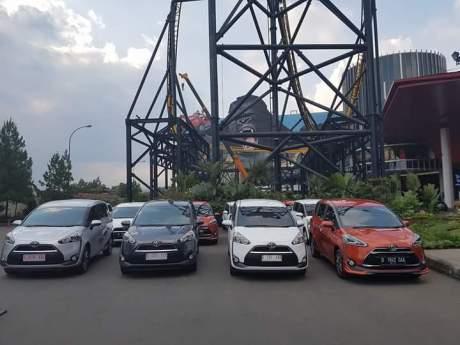 Toyota Sienta1