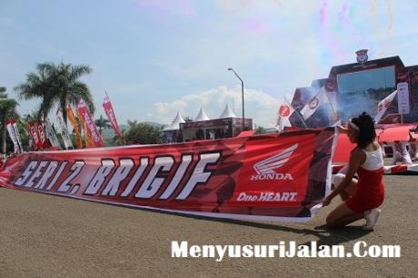 Umbrella Girl Honda Dream Cup (13)