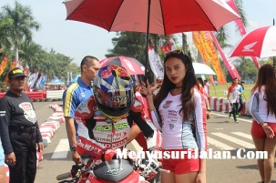 Umbrella Girl Honda Dream Cup (25)