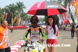 Umbrella Girl Honda Dream Cup (30)