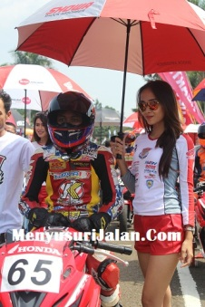 Umbrella Girl Honda Dream Cup (33)