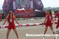 Umbrella Girl Honda Dream Cup (7)
