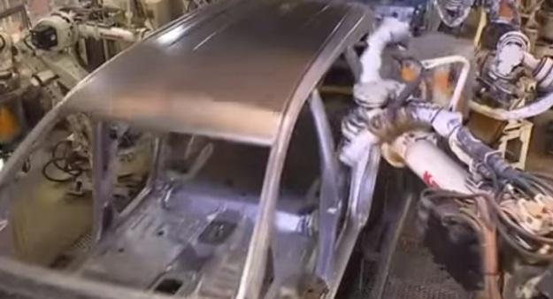 Perakitan Mobil Innova