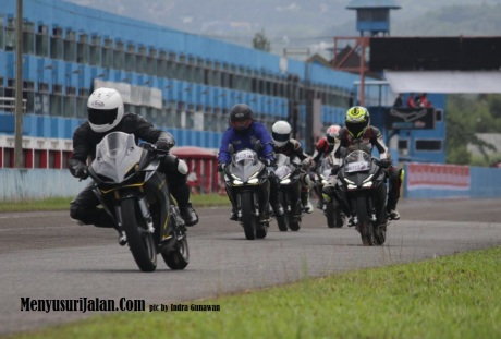 fun-race-sentul-cbr-250-rr