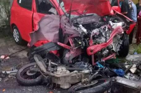 Kecelakaan Beruntun Puncak11