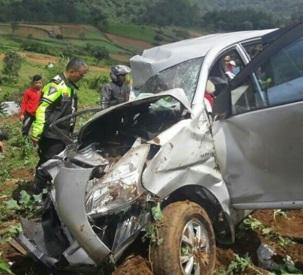 Kecelakaan Maut Puncak Pas Rumah Makan Aki5