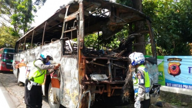 Kecelakaan Beruntun Cirebon-4