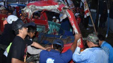 Kecelakaan karangploso truk rem blong