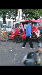 Kecelakaan karangploso truk rem blong2