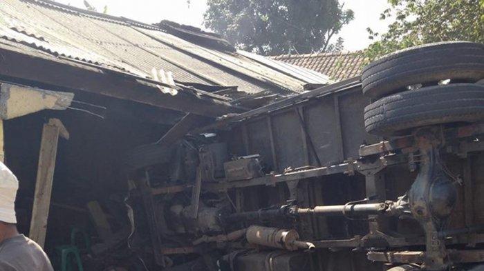 Kecelakaan Tabrakan Beruntun Di Bawen Semarang 2 Orang Meninggal Dunia Menyusurijalan Com