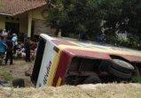 Bus Widia kecelakaan di Cijambe Subang