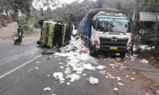 Kecelakaan Nagreg Truk Muatan Garam Satria FU (4)