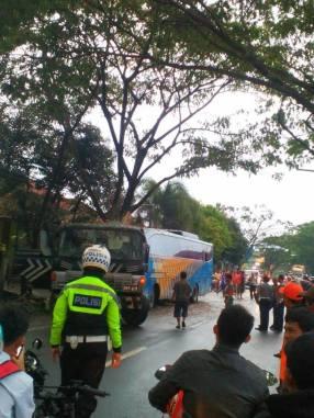 Kecelakaan Bus Doa Ibu Ciamis (4)