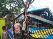 Kecelakaan Bus Doa Ibu Ciamis (7)