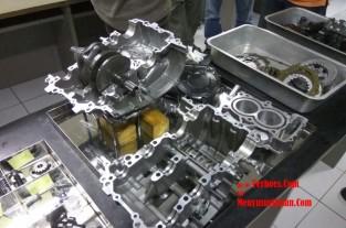 Wordkshop technologi CBR240RR Mesin CBR Dibongkar (8)