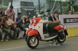 Sepeda Motor Listrik Yamaha (14)