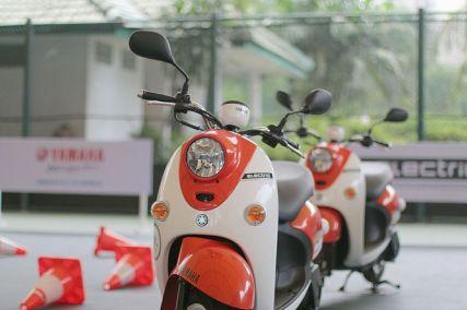 Sepeda Motor Listrik Yamaha (17)