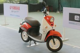 Sepeda Motor Listrik Yamaha (4)