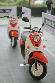 Sepeda Motor Listrik Yamaha (6)