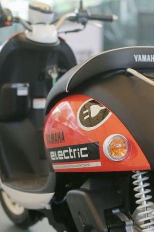 Sepeda Motor Listrik Yamaha (7)