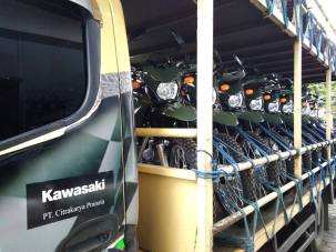 Kawasaki KLX 150 TNI-3
