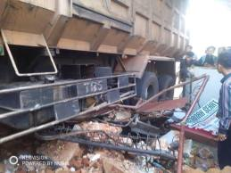 Kecelakaan Kamasan Banjaran 15 Maret 2018 dump truk karambol (2)