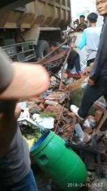 Kecelakaan Kamasan Banjaran 15 Maret 2018 dump truk karambol (3)