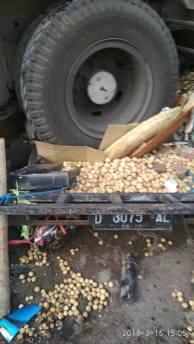 Kecelakaan Kamasan Banjaran 15 Maret 2018 dump truk karambol (5)