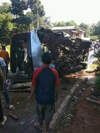 kecelakaan tanjakan cae wado sumedang 23 Juni 2018 (3)