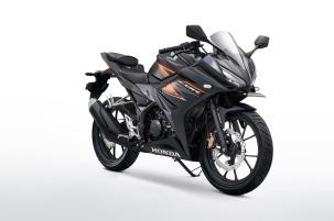 warna baru dan harga all new cbr 150 r 2018 matte black (4)