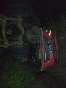 kecelakaan gentong 19 januari 2019 agya truk xenia-2