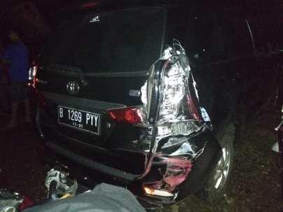 kecelakaan gentong 19 januari 2019 agya truk xenia